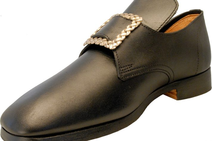 Black buckle shoe